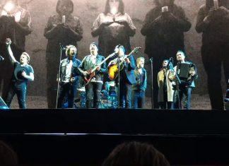 Eddie Vedder i Mumford and Sons na scenie U2