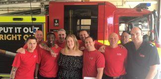 Adele odwiedziła strażaków, którzy gasili Grenfell Tower