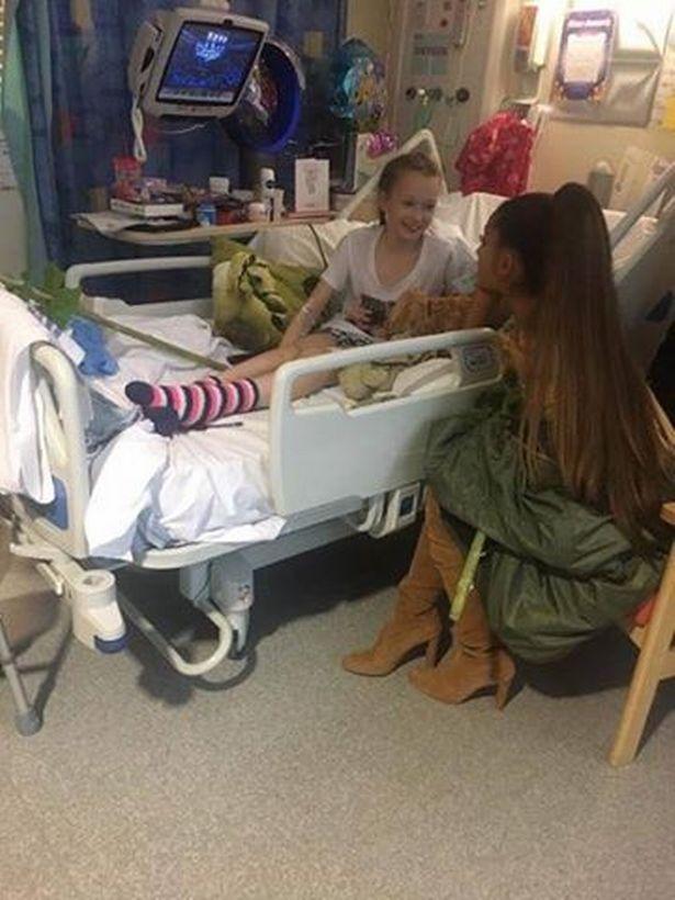 Ariana Grande w Manchesterze odwiedziła rannych fanów