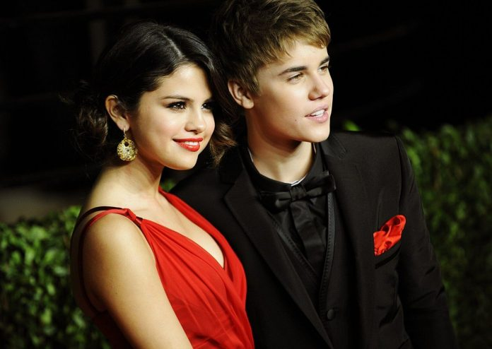 Selena Gomez i Justin Bieber w piosence