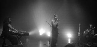 Tragedia na koncercie! Francuska wokalistka, Barbara Weldens zmarła na scenie