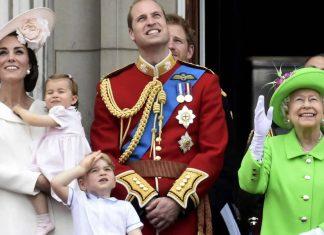 """Królowa Elżbieta uwielbia piosenkę """"Dancing Queen"""" (Abba)"""