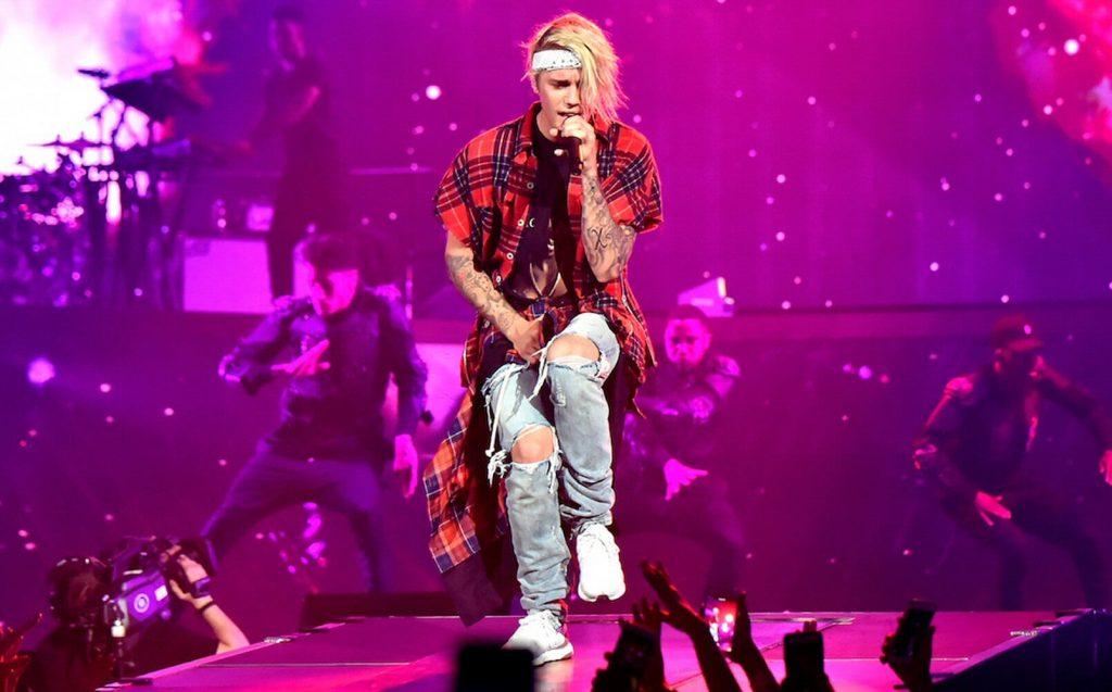 Wyczerpany Justin Bieber przeprasza za odwołaną trasę!