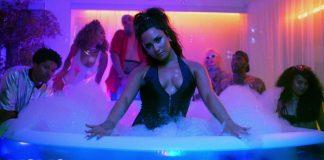 Demi Lovato zaprasza na domówkę do Los Angeles (WIDEO)