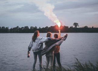 """Sonar: beztroskie wakacje przyjaciółek (zobacz teledysk """"Pod prąd"""")"""