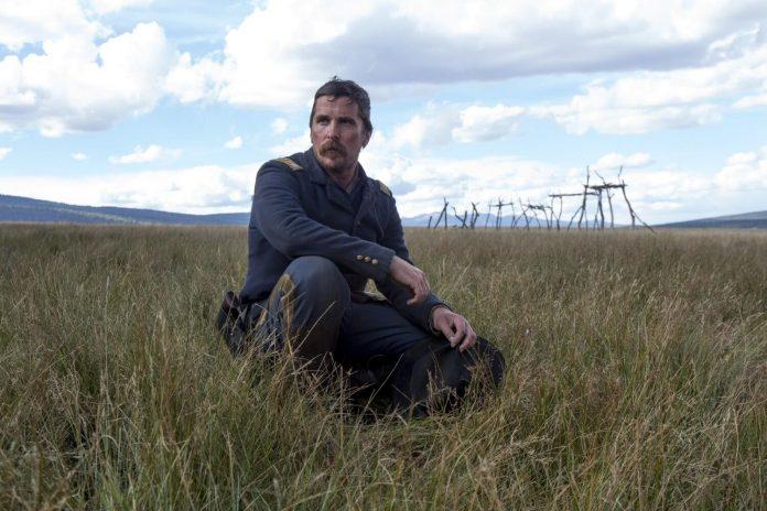 Hostiles: Christian Bale z wąsem i w mundurze