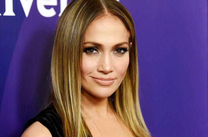 Jennifer Lopez zapowiada nową muzyką (ZDJĘCIE)
