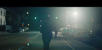 """Don Cheadle w teledysku Logic (zobacz wideo """"1-800-273-8255"""")"""