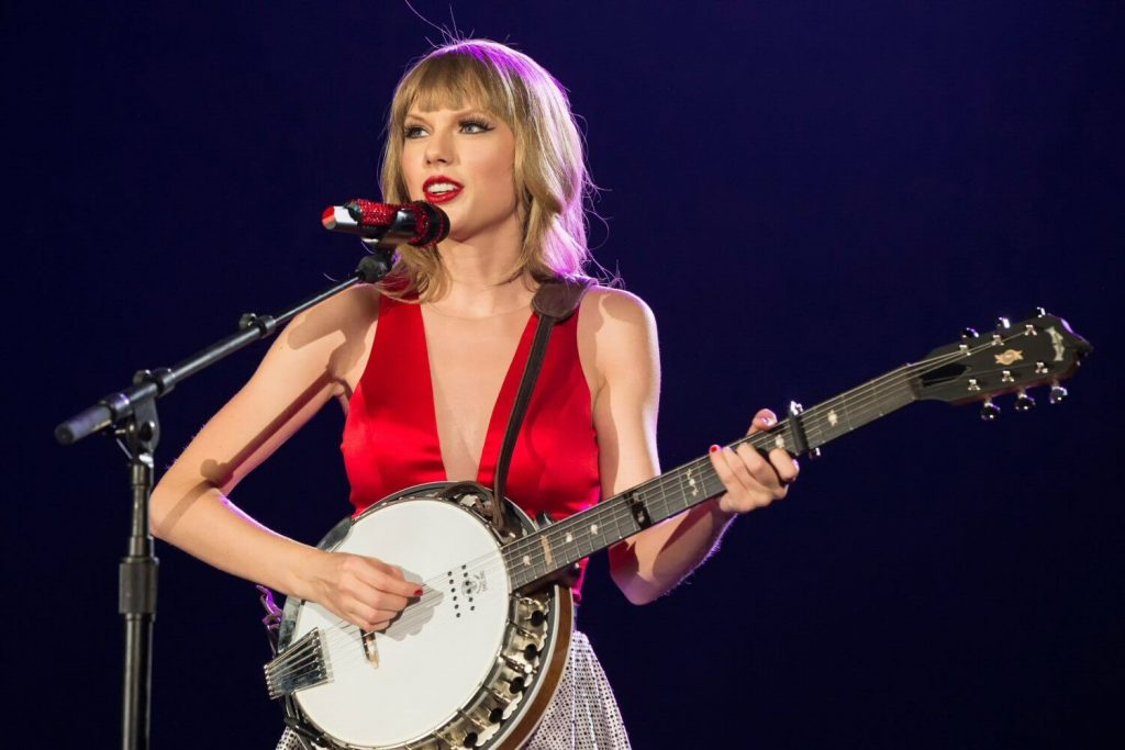 """Taylor Swift: Piosenka """"Ready For It"""" w sportowym spocie"""