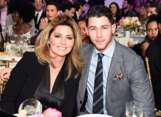 Nick Jonas świątecznie z Shania Twain (Say All You Want for Christmas)