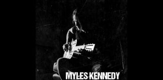 Myles Kennedy z Alter Bridge solo (zobacz teledysk Year of the Tiger)