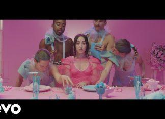 Noah Cyrus śpiewa dla One Bit: Premiera teledysku My Way