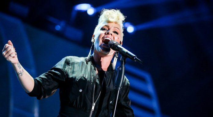 Pink zaśpiewa hymn na Super Bowl
