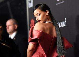 Rihanna prezentuje Walentynkowe skarpetki #ColdHearted