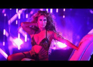 PÓŁNAGA Jennifer Lopez na koncercie w Minneapolis (ZDJĘCIA)