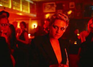 Kristen Stewart imprezuje w teledysku Interpol