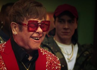 Elton John głodny nie jest sobą (WIDEO)