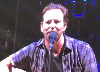 Eddie Vedder gra The White Stripes dla nauczycieli