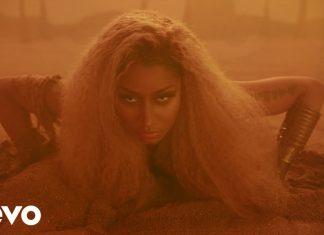 Nicki Minaj pali gandzię na pustyni
