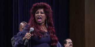 Królowa funku, Chaka Khan oddaje hołd królowej soulu (WIDEO)