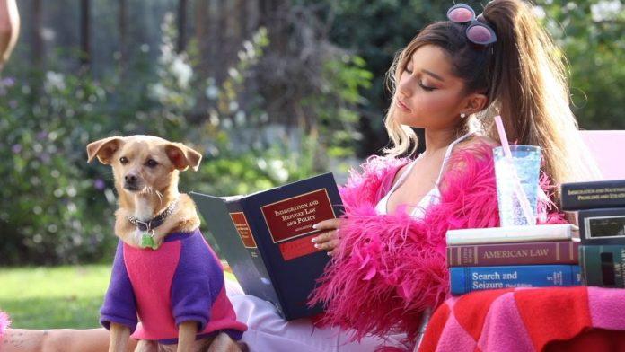 Ariana Grande na planie klipu