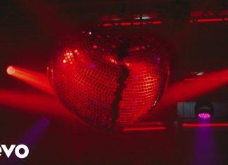 Mark Ronson z Miley Cyrus uciekają przed policją (WIDEO)