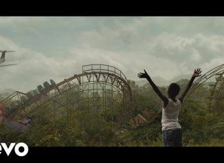 Travis Scott leci samolotem nad Astroworld