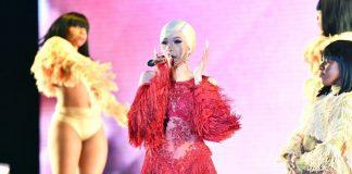Cardi B podczas spotkania z fanami na Instagramie w Nowy Rok zapowiedziała, że wyda album w 2019 roku