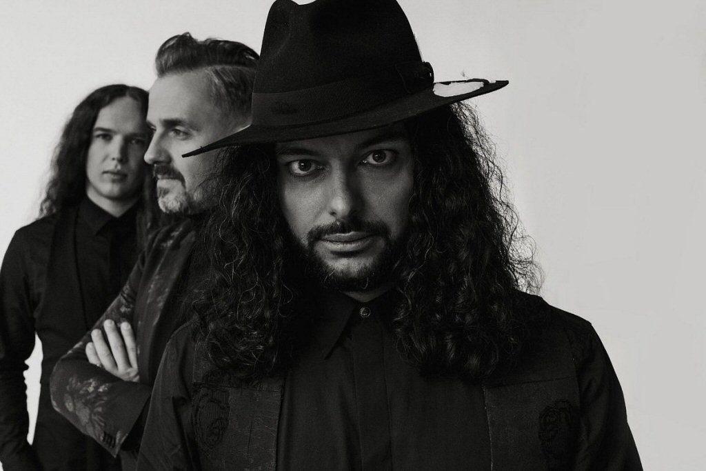 Zespół Lion Shepherd z odwagą czerpał pełnymi garściami ze wszystkich gatunków muzycznych