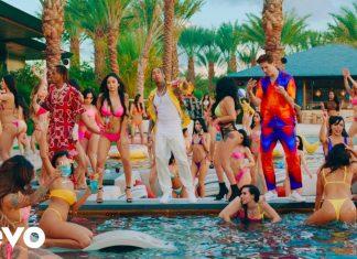 """Tyga zaprezentował teledysk do piosenki """"Girls Have Fun""""."""