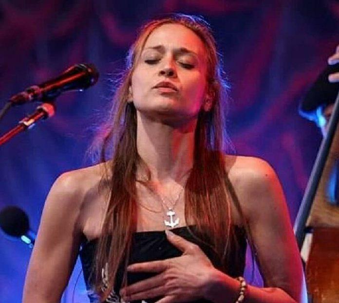 Fiona Apple niedawno zaśpiewała w piosence
