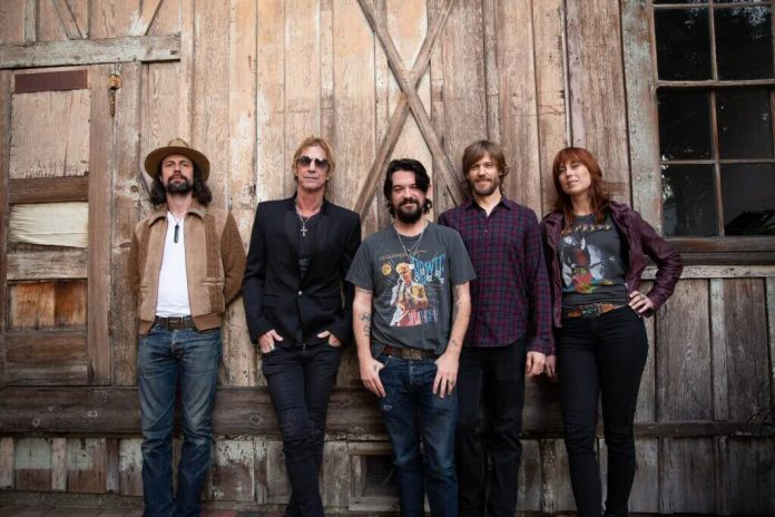 Duff McKagan do pracy nad albumem zatrudnił Shootera Jenningsa