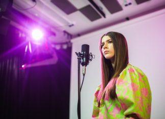 Piosenkę przewodnią śpiewa 14-letnia Roksana Węgiel. Premiera już teraz na MUZOTAKT.pl