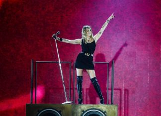 "Miley Cyrus zapowiada nowy album EP pt. ""She Is Coming"""