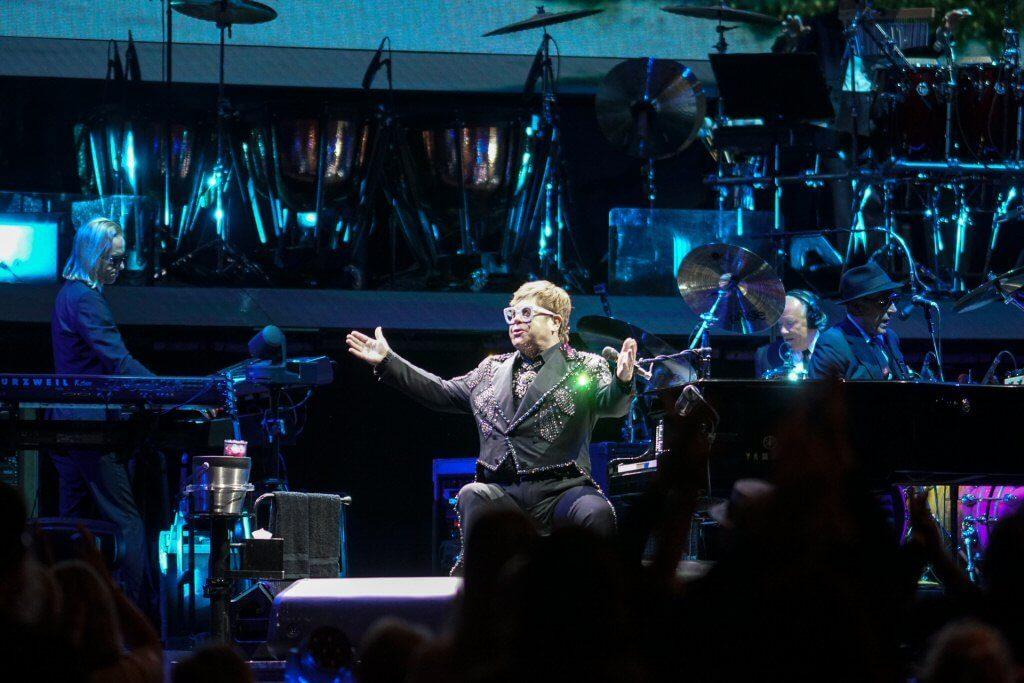 """Genialny Elton powiedział """"goodbye"""" Polsce! (ZDJĘCIA)"""
