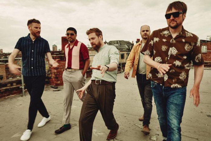 """Kaiser Chiefs wracają! Nowy singiel """"Record Collection"""" już dostępny"""