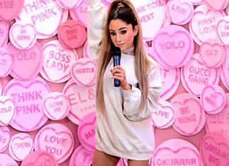 Ariana Grande śmieje się z figury woskowej. Jej komentarz zwala z nóg!