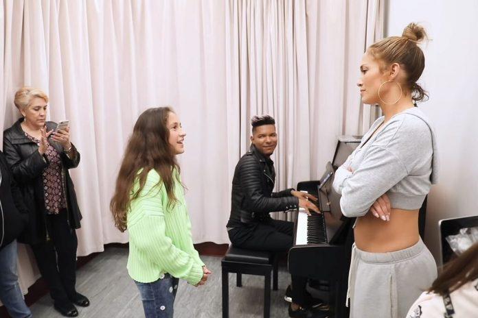 11-letnia córka Jennifer Lopez prezentuje swój talent wokalny (WIDEO)