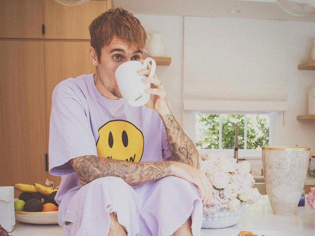 Justin Bieber łączy siły z Drew Barrymore, lecz nikt tego nie kupuje?
