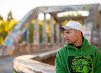 """DJ Shadow z czystą rapową adrenaliną w """"Rocket Fuel"""""""