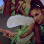 """Ariana Grande wróżką w serialu """"Kidding"""" (WIDEO)"""