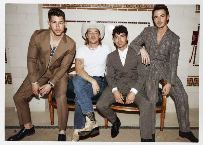 Diplo łączy siły z Jonas Brothers (WIDEO)
