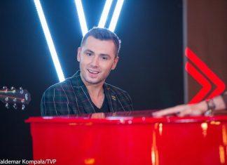 """The Voice of Poland: Kamil Bednarek o swoim hicie - """"Straciłem kogoś bardzo ważnego"""" (WIDEO)"""