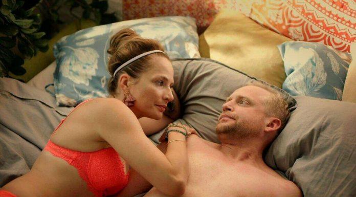 Anna Dereszowska w łóżku z Piotrem Adamczykiem