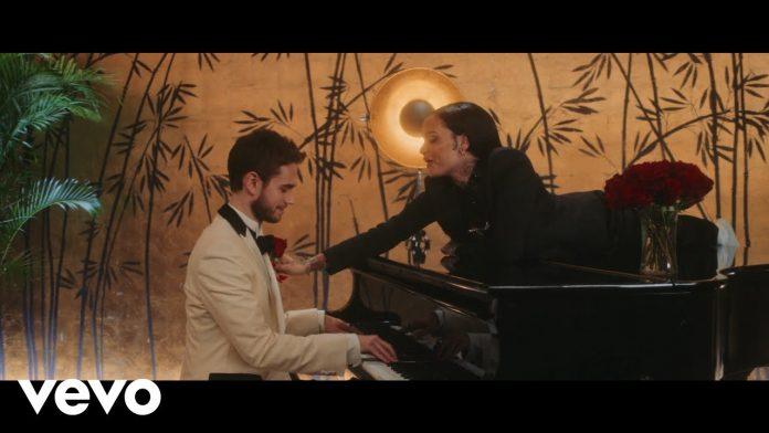 Zedd & Kehlani pracują w knajpie (WIDEO)