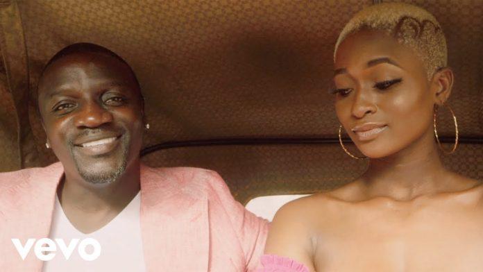 Akon prezentuje afrobeatowy