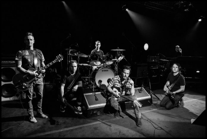 """Pearl Jam z oficjalnym klipem do """"Dance of the Clairvoyants"""""""