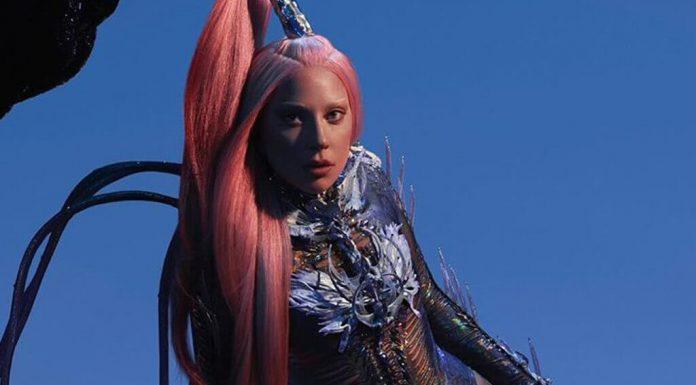 """Lady Gaga: Nowy album """"Chromatica"""" kupimy tylko w jednym sklepie i będą opóźnienia!"""