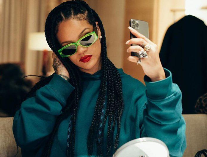 Rihanna paraduje