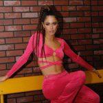 Piękna argentyńska modelka i piosenkarka porywa do tańca! Tini Stoessel